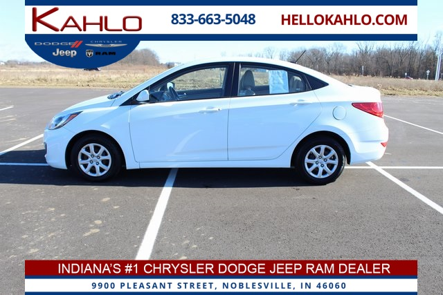 2013 Hyundai Accent Sedan >> Pre Owned 2013 Hyundai Accent Gls